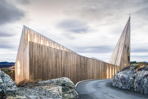 Iglesia de Knarvit por Reifuld Ramstad Architects