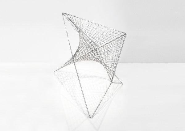 Parabola chair, la silla geométrica de Carlo Aiello
