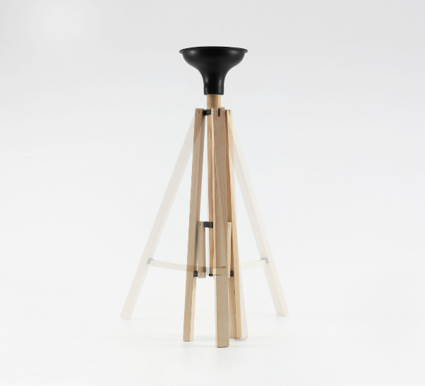 Tripod Furniture de B. Mucha