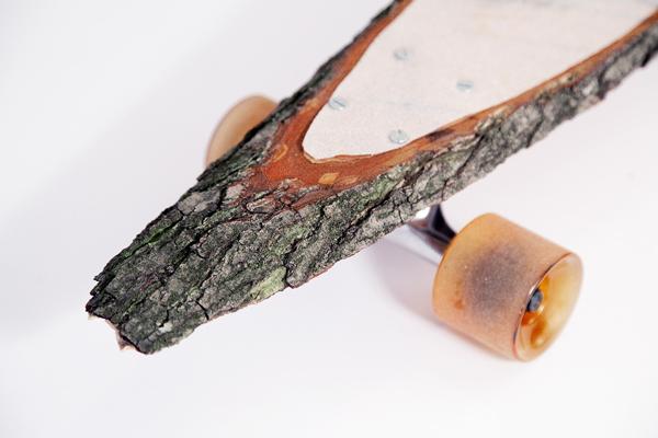 Förster, el monopatín de una sola pieza de madera