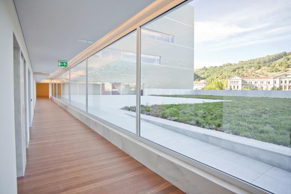 Paraninfo de la Universidad del País Vasco, por Álvaro Siza