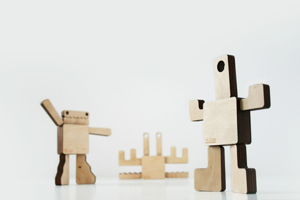 Cubo de madera de Héctor Serrano