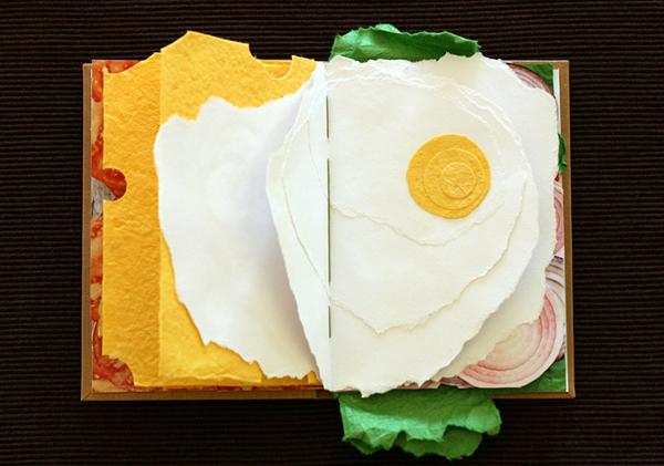 libro sandwich con huevo