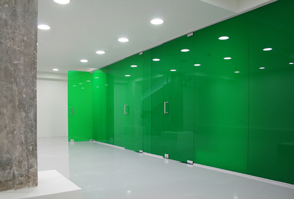 Farmacia, de KLab Architects