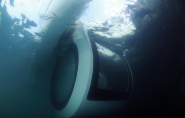 Ego, semi submarino eléctrico por Raonhaje