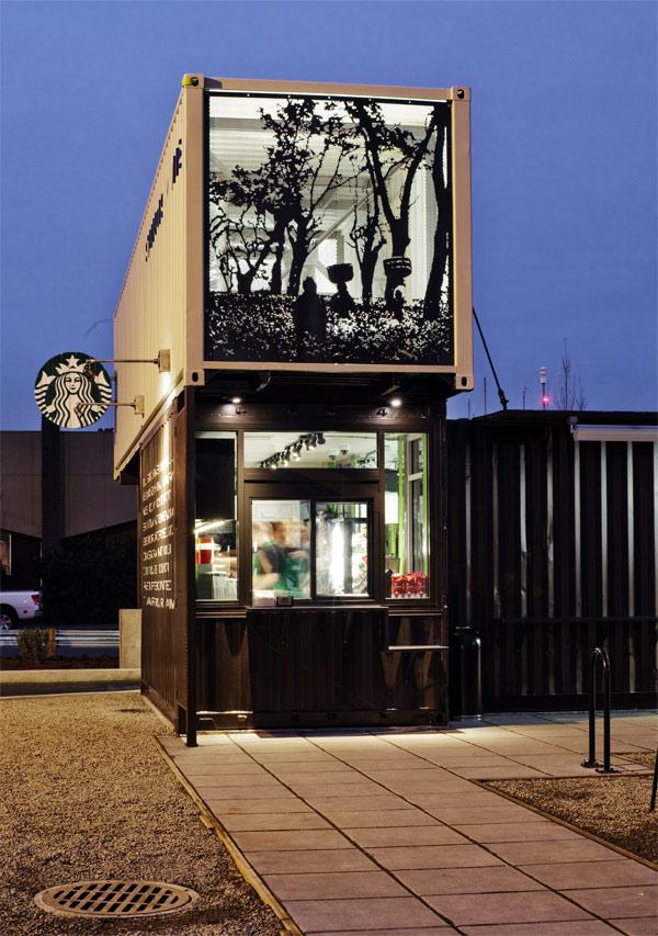Entrada de la cafetería, Starbucks, 2011. Fotografía de Tom Ackerman.