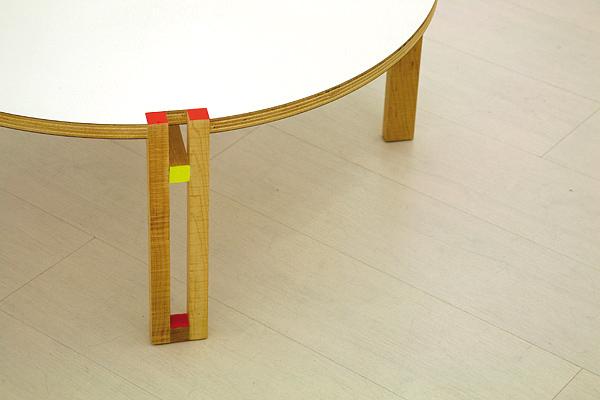 Mondo y lirondo, exposición de muebles de Pedro Feduchi