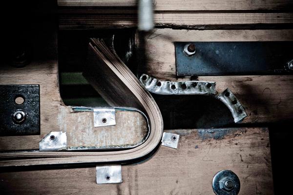 Wotu Chair, la silla de tubo de madera