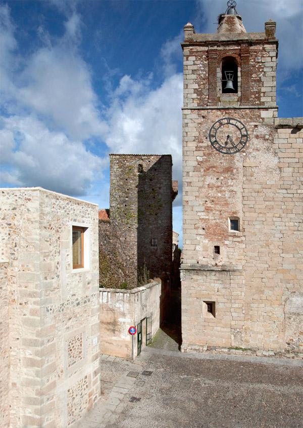 Hotel Atrio, Mansilla y Tuñón reinterpretan el patrimonio de Cáceres