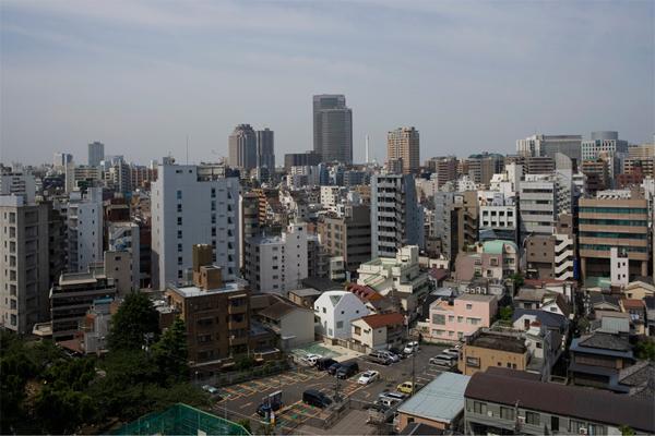 Sorte, un volumen para cinco viviendas en Tokio de Architec Label Xain