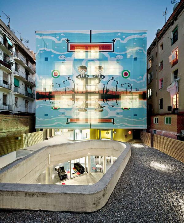 Arc del Teatre, un hotel exhibicionista de Equip Xavier Claramunt en Barcelona