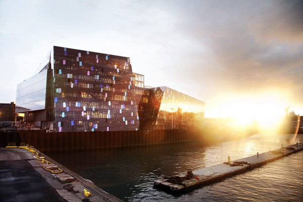 Henning Larsen Architects, Auditorio y Centro de Conferencias Harpa en Reykjavik