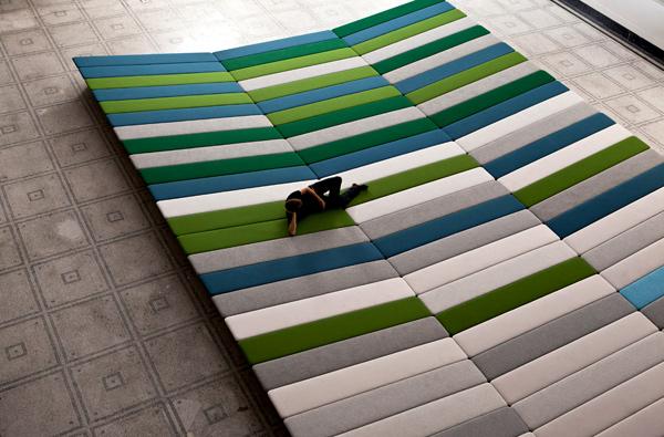 Textile Fields, intervención de los Hermanos Bouroullec para el Victoria & Albert Museum