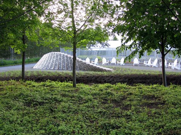 Surface Deep, instalación de Asensio_Mah para el Festival Internacional de Jardines de Quebec