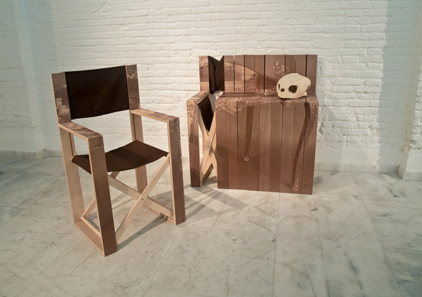 Cóm-oda de Mr. Simon, la silla plegable que se convierte en cómoda