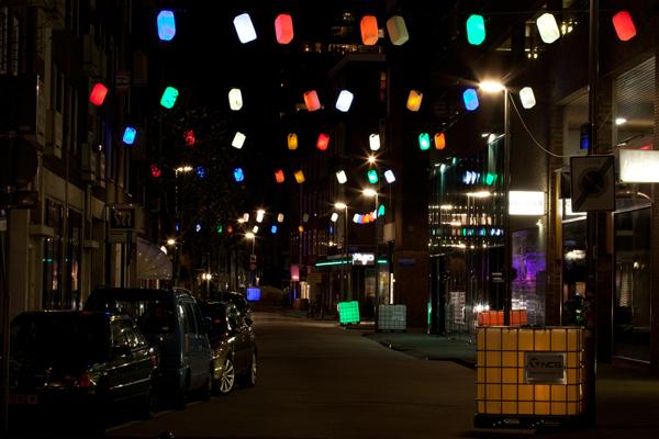 Reciclaje en la iluminación navideña de Rotterdam, por M.E.S.T.