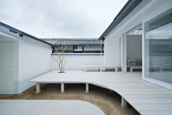 White Dormitory, rehabilitación de Foichi Futatsumata en Teshima (Japón)