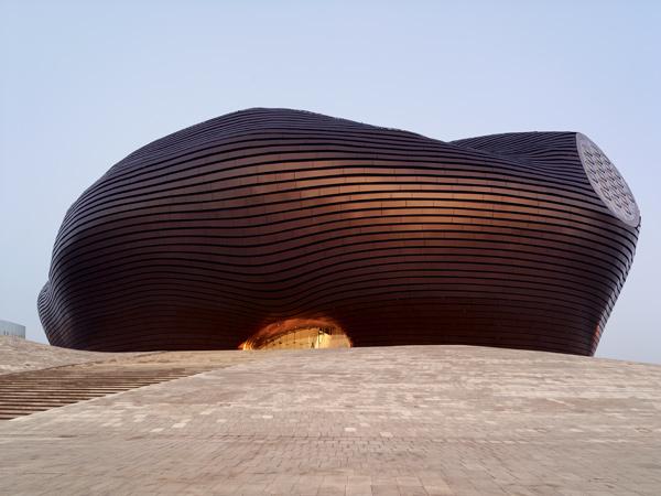 Ordos Museum, museo en el desierto por MAD Architects