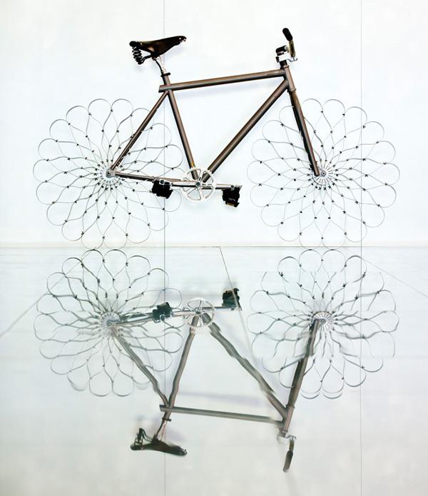 Two Nuns de Ron Arad o cómo reinventar la bicicleta