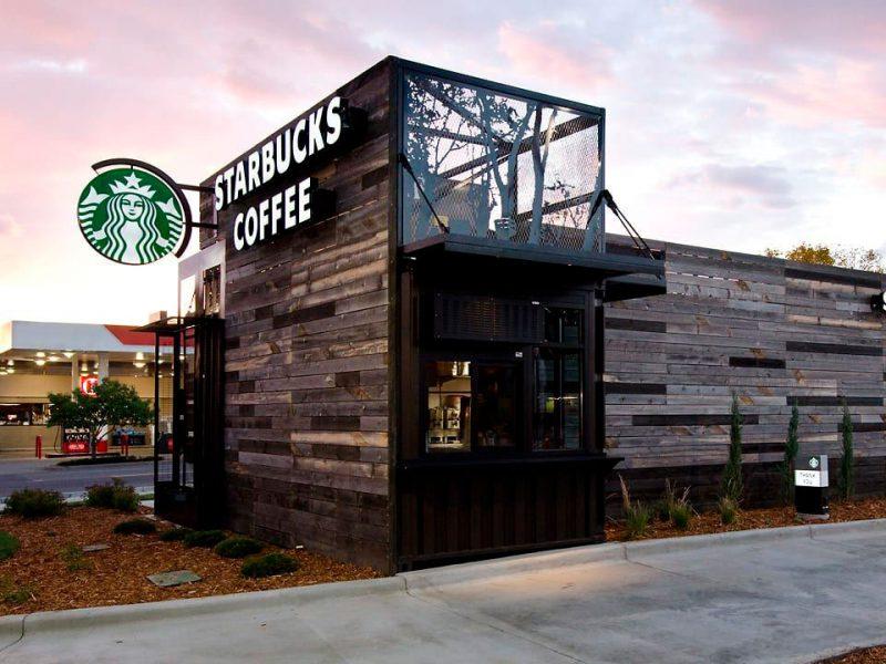 Contenedores de transporte para una cafetería Starbucks