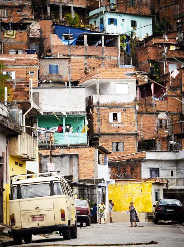 Luz nas Vielas, intervención urbana de Boa Mistura en São Paulo