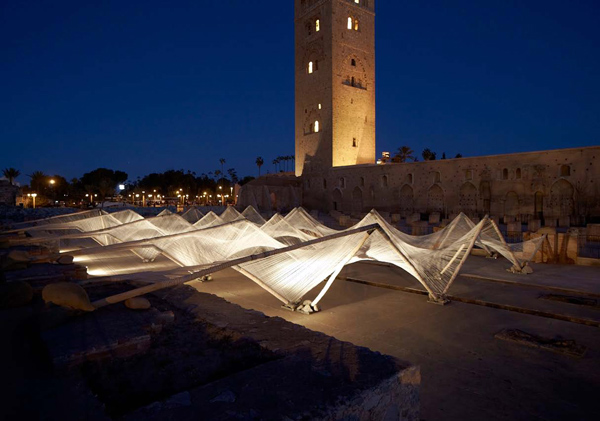 Loom-Hyperbolic, intervención de Barkow Leibinger para la Bienal de Marrakech 2012