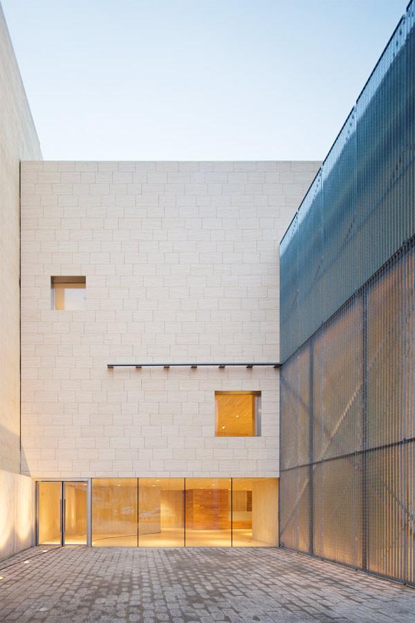 Museo de la Semana Santa de Hellín por Exit Architects