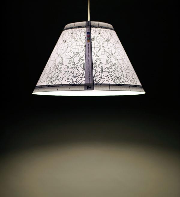 Lámpara T1895, la Tiffany en papel de Bernardita Marambio