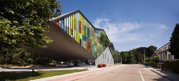 Reflejos crómaticos, Academie MWD en Dilbeek (Bélgica) de Carlos Arroyo Arquitectos