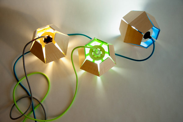 Capside Lamp de Loïc Bard, la lámpara poliédrica de madera