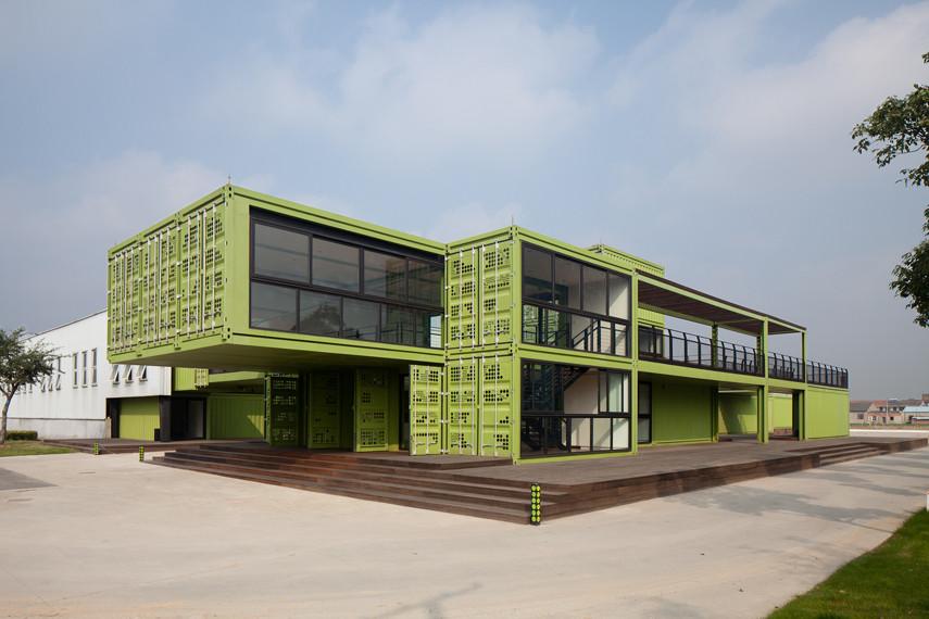 Playze diseña Tony´s Farm, una granja de contenedores en Shanghái