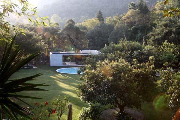 Un lounge como un umbral en Tepotzlan, de Cadaval & Solá-Morales