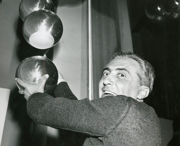 Gino Sarfatti, la iluminación racional reeditada por Flos