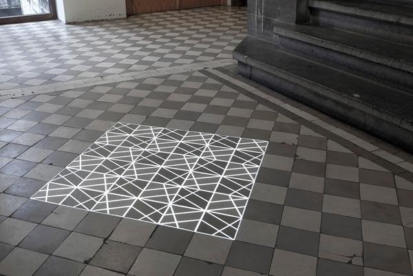 Time Tilings, artefactos de luz de Pablo Valbuena