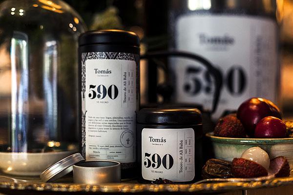 Branding e interiorismo de Savvy Studio para la casa editora de tés Tomás