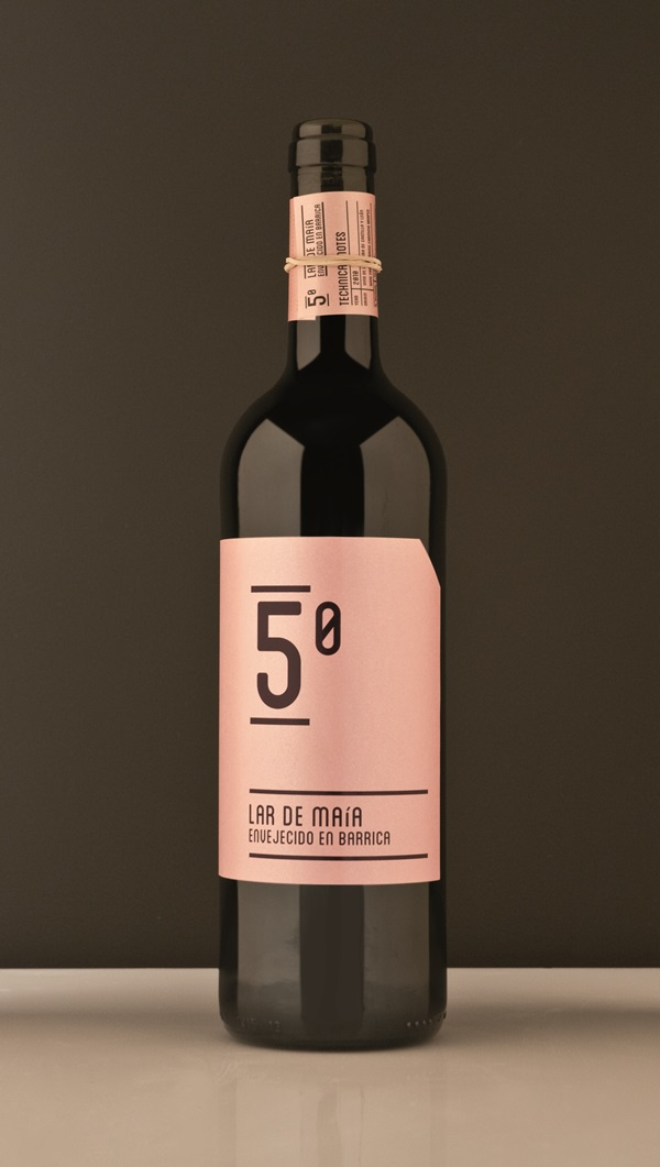 Etiquetas de los vinos Lar de Maía, por Javier Garduño