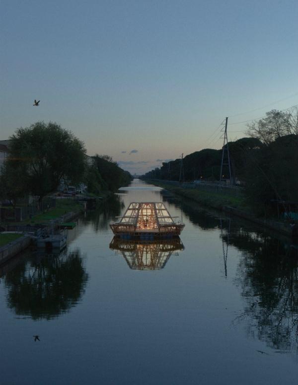Jellyfish Barge, o lo que la ciencia ficción soñó