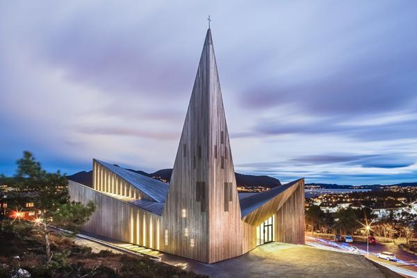 Iglesia de Knarvik por Reiulf Ramstad Architects