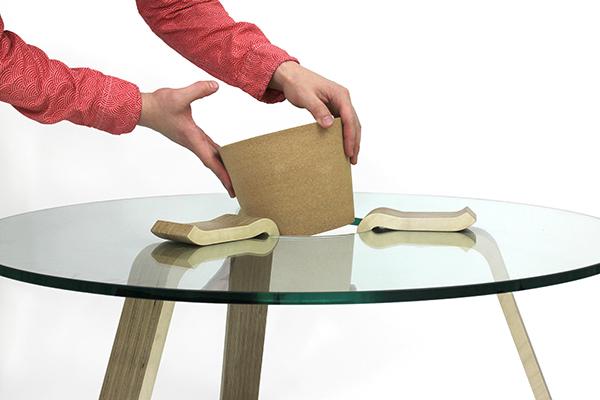 Cork Stopper Table, la mesa de centro DIY de Hyeonil Jeong