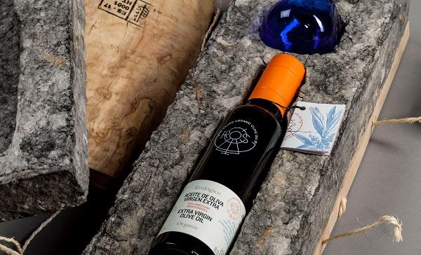 diseño-de-marca-y-packaging-del-aceite-ecológico-ros-caubó-por-zoo-studio-experimenta-07.jpg