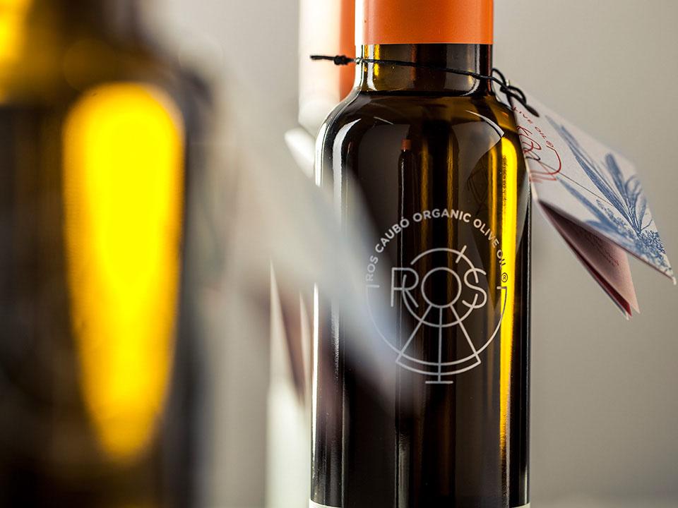 Diseño de marca y packaging, de Zoo Studio para Ros Caubó