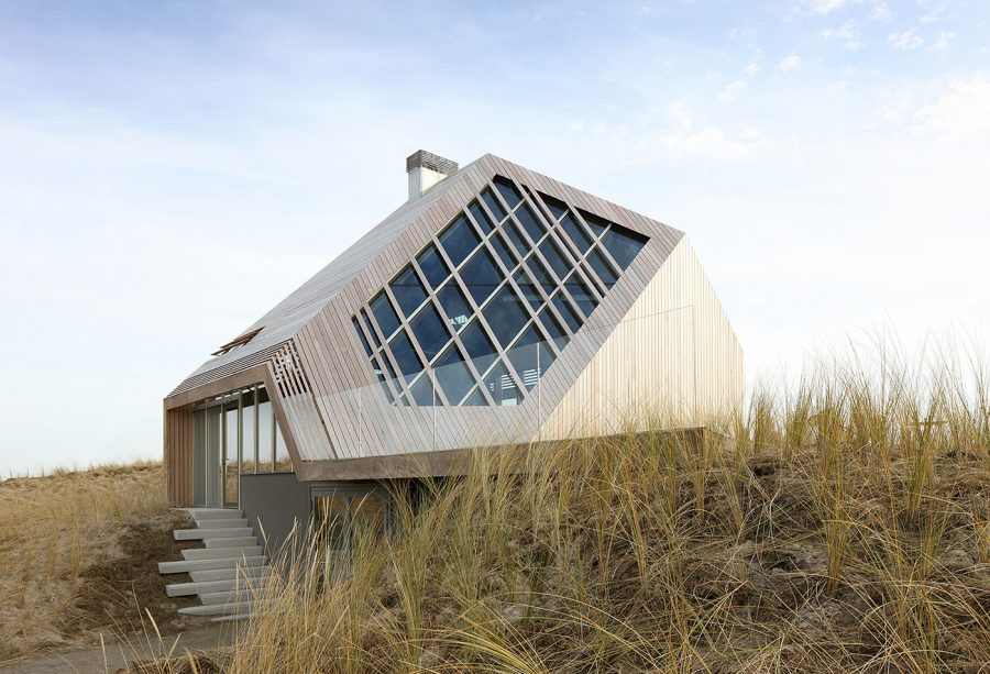 Dune House, Marc Koehler Architects, 2014. © Filip Dujardin