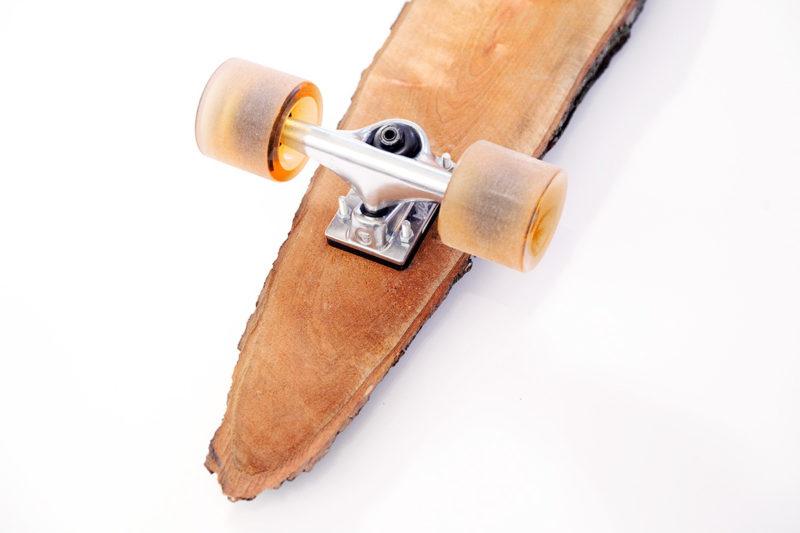 Förster, el monopatín de una sola pieza de madera de Sven y Marco Gabriel