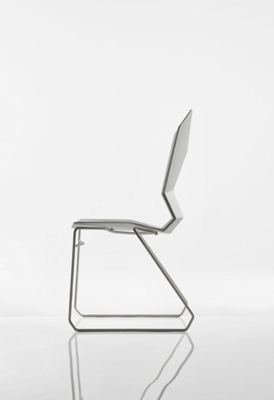 Y Chair Sled, la geométrica silla de Tom Dixon. Ergonómica, flexible y robusta