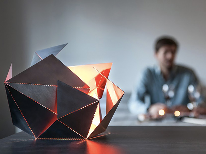 Folding Lamp, lámpara origami de Thomas Hick