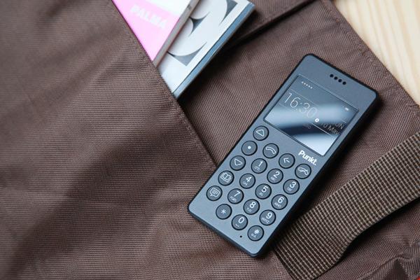 MP 01 Mobile Phone, Punkt, Jasper Morrison, 2015.