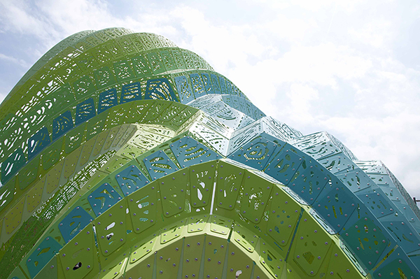 Pleated Inflation, Marc Fornes/Theverymany™, 2015.