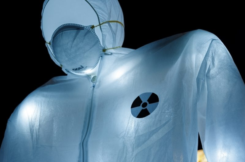 Under Nuclear Threat, Luzinterruptus, 2015 © Pablo Martínez Muñiz