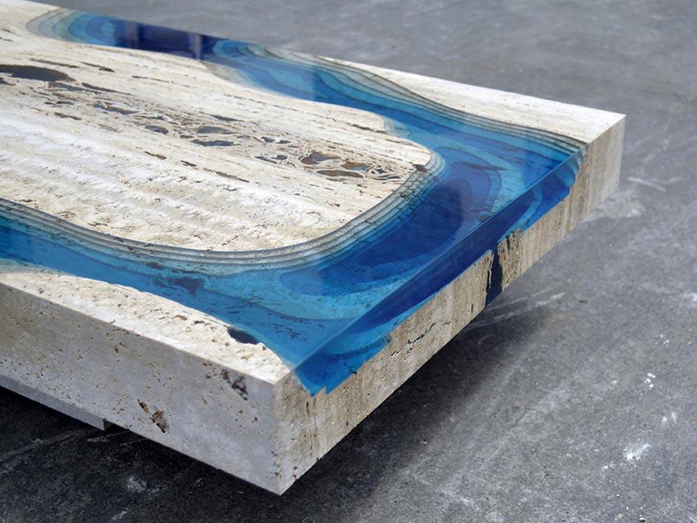 Lagoon, mesa de Alexandre Chapelin para La Table. Resina y materiales reciclados