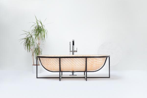 Otaku, el océano en un baño